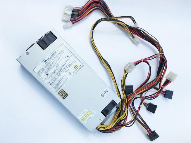FSP SPI400U4BB 100-240V-8-4A 60-50Hz adaptateur
