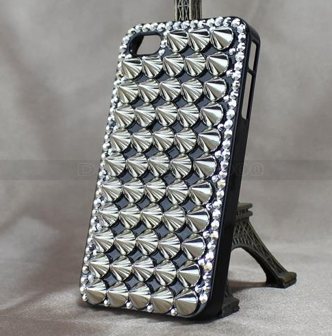 Luxury Silver Tapered Punk Studs Skin Bling Hard Cover Case For iPhone 4G 4S